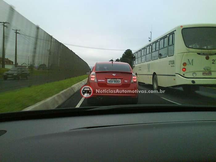 nissan-sentra-se-r-vermelho-flagra-picolli-2 Flagra de nosso leitor: Nissan Sentra SE-R!!
