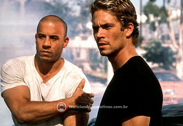 http://images.noticiasautomotivas.com.br/img/c/paul_walker-and-vin_diesel.jpg