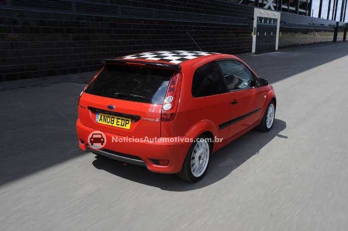 ford-fiesta-zetec-s-red-edition-2 Ford Fiesta Zetec S Red Edition
