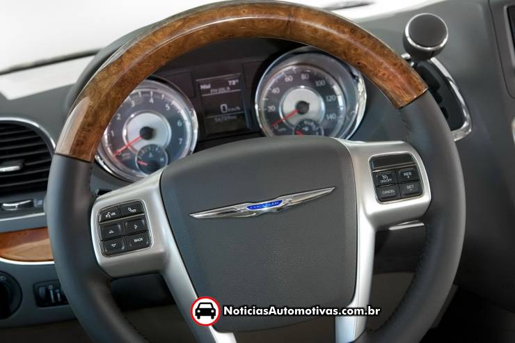 Chrysler Town And Country 2011 Interior. Chrysler Town amp; Country 2011 é