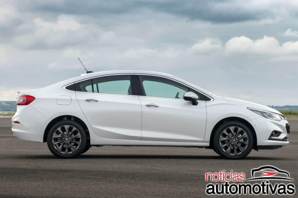 Cruze LTZ e Cruze Hatch LTZ: preços, motor, consumo (e equipamentos)