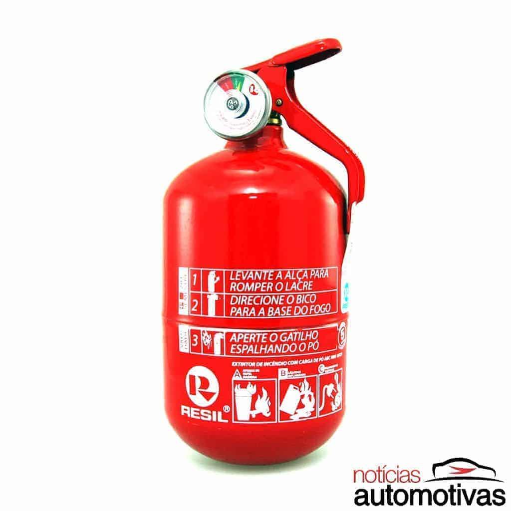 De novo? Extintor pode voltar a ser obrigatório nos carros em 2020