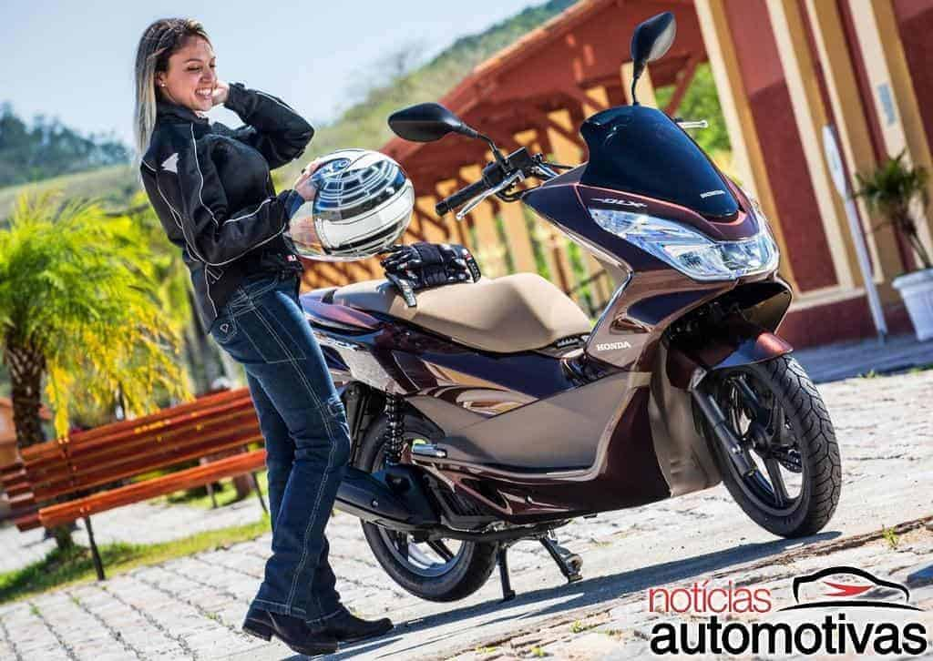 honda pcx saiba tudo sobre o scooter de entrada da marca. Black Bedroom Furniture Sets. Home Design Ideas