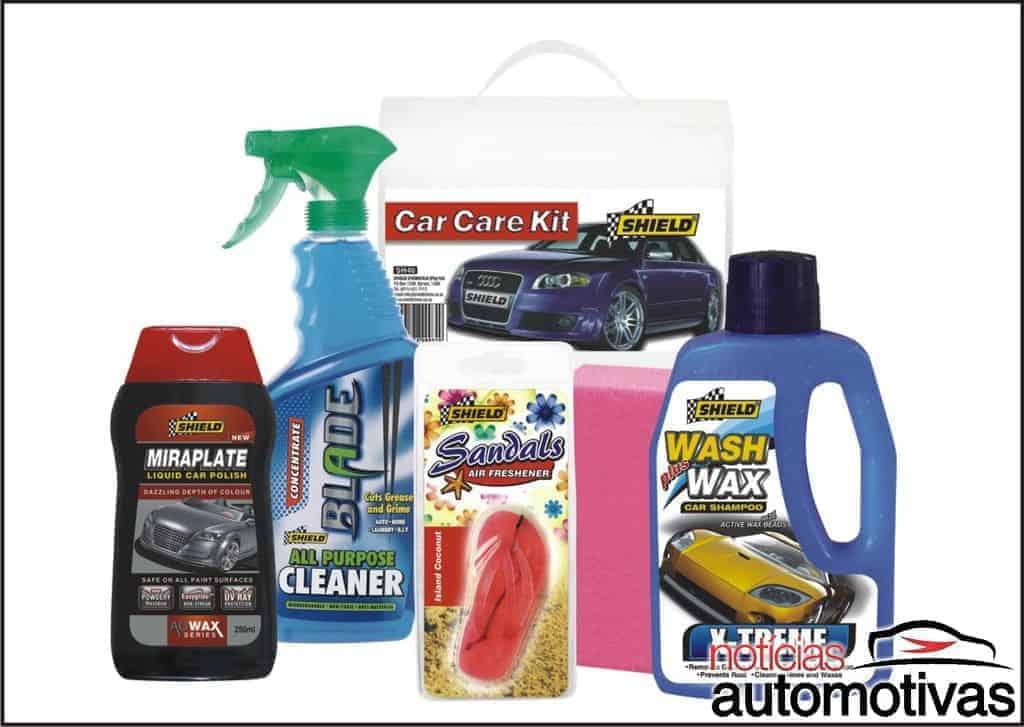 Como lavar carros pretos?