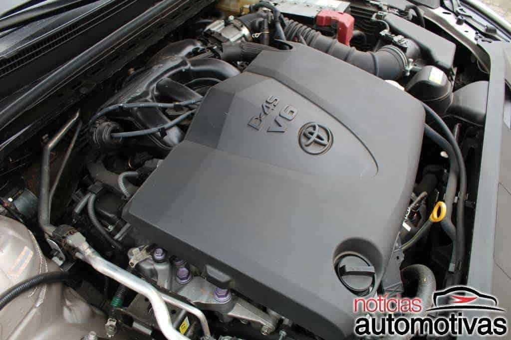 Toyota Camry XLE V6 3.5 2020 é o quase luxo que custa caro