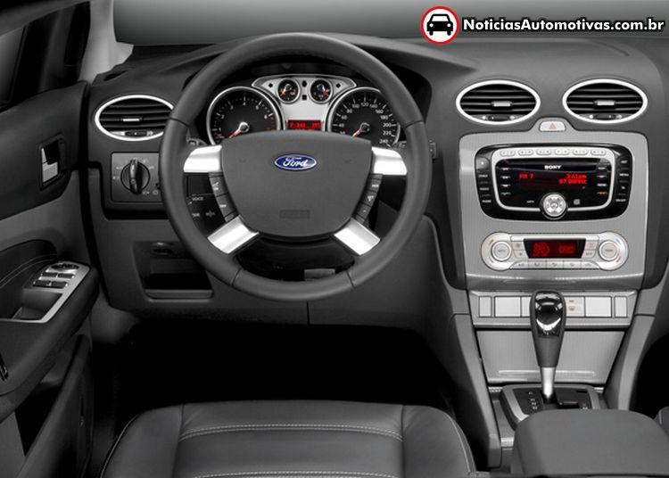 COMPARATIVO: Ford Focus Sedan Ghia 2.0 Automático ou Renault Fluence ...