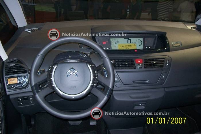 na-no-salao-do-automovel-citroen-c4-picasso-4
