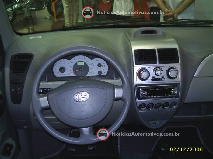 na-no-salao-do-automovel-effa-m100-mais-caro-mas-tambem-mais-completo-4